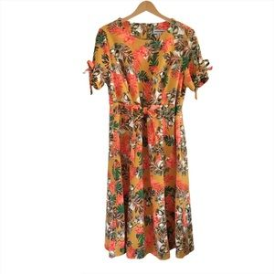 Shelby & Palmer Tropical Print Short Sleeve Dress